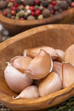 Garlic cloves in a bowl closeup Royalty Free Stock Images