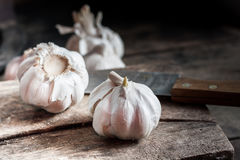 Garlic on wood texture Royalty Free Stock Photography