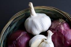 Garlics et oignons photos libres de droits
