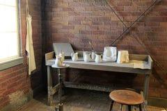 Garncarki ` s ławka z przykładami artykuły, Niesamowity Kanałowy muzeum, Syracuse, Nowy Jork, 2017 obrazy royalty free