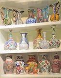 Garncarstwo, ceramiczne wazy, dekorować z różnorodnymi wzorami, jest zolem zdjęcia royalty free