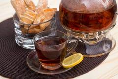 Garnek herbata i ciastka Fotografia Royalty Free