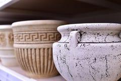 Garnek porcelany biały i popielaty kolor z ornamentem Obraz Stock