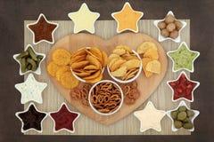 Garnelen auf einem Bett des Kopfsalates, des Hüttenkäses und des wohlschmeckenden Biskuites Stockbild