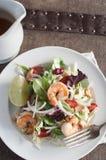 Garnelen-Auflagen-thailändischer Salat Stockfotos