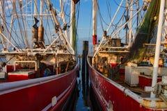Garnelen-Boote im Hafen lizenzfreies stockfoto