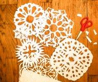 Garnering för nytt år/jul- vitboksnoflakes arkivbild