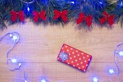 Garnering ferie, asken, gåva, papper, glädje, lycka, glädje, teckning, ger sig, att förpacka som boxas, skottpengar, donative som royaltyfri foto