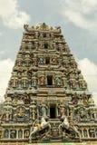 Garnering i den Sri Mahamariamman templet i Kuala Lumpur under religiös ceremoni Royaltyfria Bilder