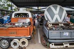 Garnering och delar för VW för försäljning för Volkswagen pickupägare Royaltyfria Bilder