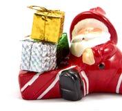 Garnering Santa Claus med gåvaasken Royaltyfri Foto