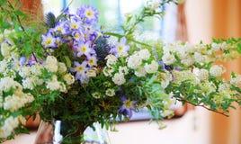 Garneringen av blomman i rummet Royaltyfria Bilder