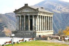 Garni寺庙是希腊罗马有列柱大厦在耶烈万,亚美尼亚附近 免版税库存图片