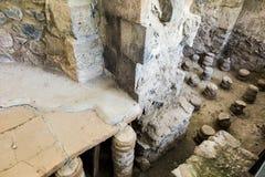 Garni ARMENIA, Wrzesień, - 16, 2017: Ruiny poprzedni bathhouse Fotografia Royalty Free