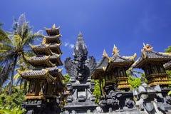 Garnirunek w hinduskiej świątyni, Nusa Penida, Indonezja obrazy stock
