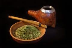 Garnissez en cuir le calabaza et la tasse couverts du compagnon de yerba Image libre de droits