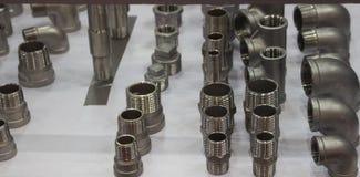 Garnitures d'acier inoxydable pour des tuyaux images stock