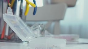 Garnitures pour le bijouterie Boîtier en plastique pour stocker des accessoires banque de vidéos