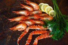 Garra bonita do caranguejo com camarão Fotos de Stock Royalty Free