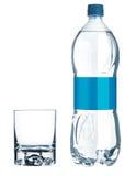 Garrafa azul com água e vidro vazio Imagem de Stock