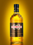 Garrafa de Drambuie, doce do ` s de Escócia, li colorido dourado de 40% ABV Imagens de Stock Royalty Free