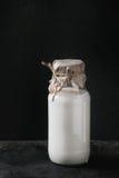 Garrafa de vidro do leite Imagens de Stock Royalty Free