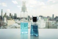 Garrafa do álcool e gel anti-bacteriano da mão Imagem de Stock