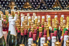 Garrafa do contexto da abstração do vinho do champanhe fotografia de stock royalty free