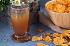 Garrafa do suco de fruto da data fotos de stock