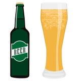 Garrafa e vidro de cerveja Fotografia de Stock