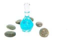 Garrafa e Zen Stone de perfume IV Fotografia de Stock Royalty Free