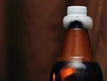 Garrafa plástica da cerveja com tubos de ensaio Imagem de Stock Royalty Free