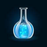 Garrafa transparente com líquido azul mágico no preto Fotos de Stock