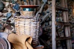 Garrafa vieja Cosecha de aceitunas Fotografía de archivo libre de regalías