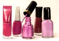 Garrafas cor-de-rosa do verniz para as unhas imagem de stock royalty free