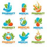 Garrafas de Eco Pharma, imagens das garrafas, pounder, comprimidos e folhas do verde Foto de Stock
