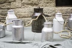 Garrafas de leite do metal Imagem de Stock Royalty Free