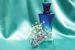 Garrafas de perfume imagem de stock