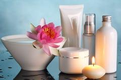 Garrafas de perfume azuis de vidro Foto de Stock Royalty Free
