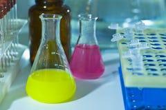 Garrafas do laboratório Imagens de Stock