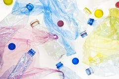 Garrafas e sacos plásticos imagem de stock