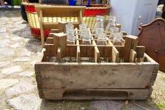 Garrafas na caixa de madeira Fotografia de Stock Royalty Free