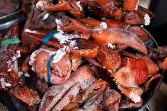 Garras cruas da lagosta na curva Imagens de Stock Royalty Free