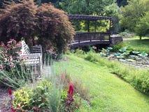 Garten-Brücke Stockbild