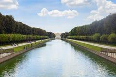 Garten des königlichen Palastes in der Stadt von Caserta lizenzfreies stockfoto