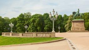 Garten des königlichen Palastes in der Stadt von Oslo stockfotografie
