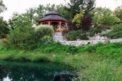 Garten Gazebo Lizenzfreies Stockfoto