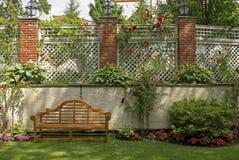 Garten-Gitter lizenzfreie stockfotos
