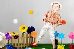 Garten-Junge lizenzfreie stockfotos