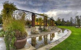Garten-Park in der Fall-Jahreszeit stockfotos